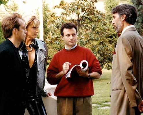 """Bugie Rosse """"scandaloso thriller"""" di Pierfrancesco Campanella in DVD."""