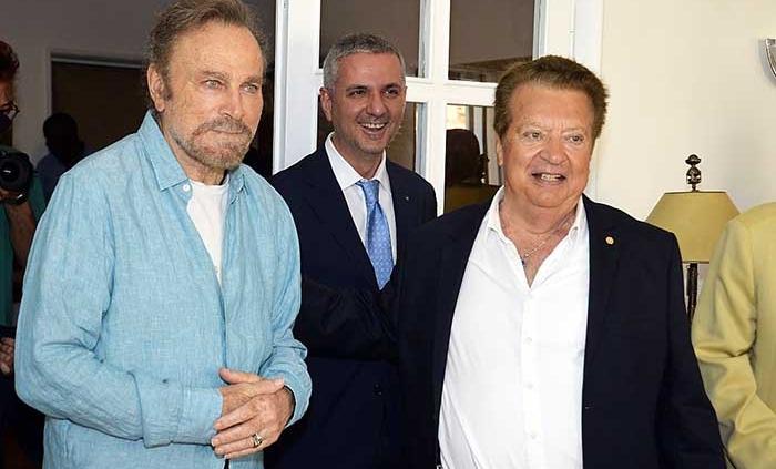 A Casa Cecchi Gori un brindisi con Franco Nero alla fine delle riprese.