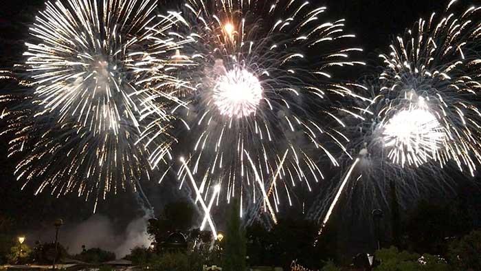 Roma, Dal 28 giugno il campionato di fuochi d'artificio a Cinencittà World. Dopo lo straordinario successo della prima edizione, Stelle di fuoco,