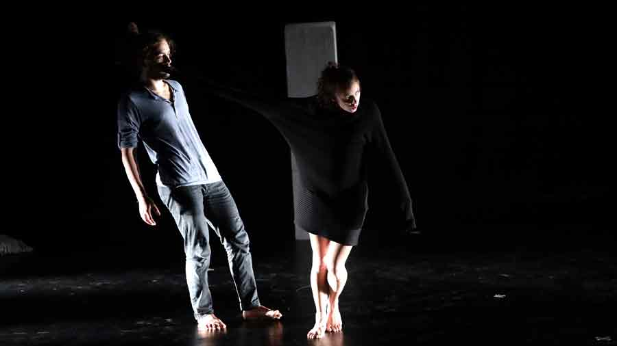 """""""TWAIN Centro Produzione Danza"""" Tre performance in streaming."""