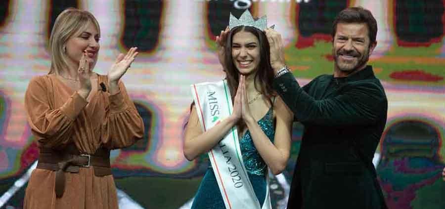 Miss Italia è Martina Sambucini nuova reginetta.
