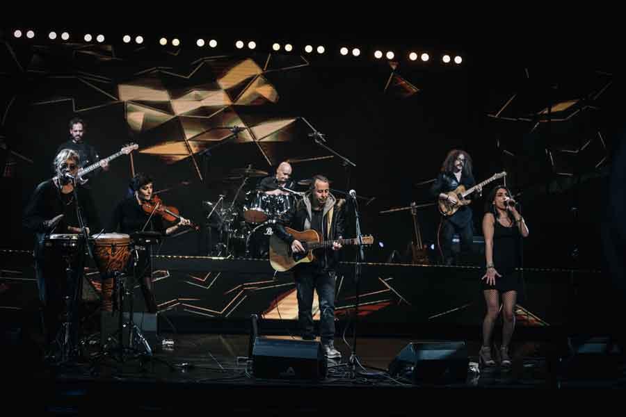 Enrico Capuano in concerto con Tammuriatarock+Guest.