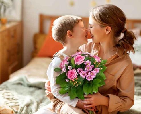 """Mamma ti voglio bene """"ditelo con i fiori più belli""""."""