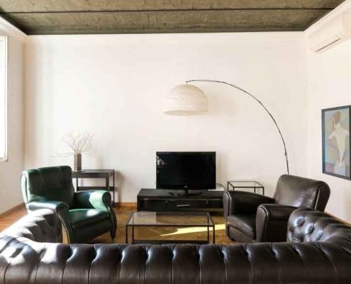 "Real Estate H2ome ""Vendere casa in 8 mosse""."