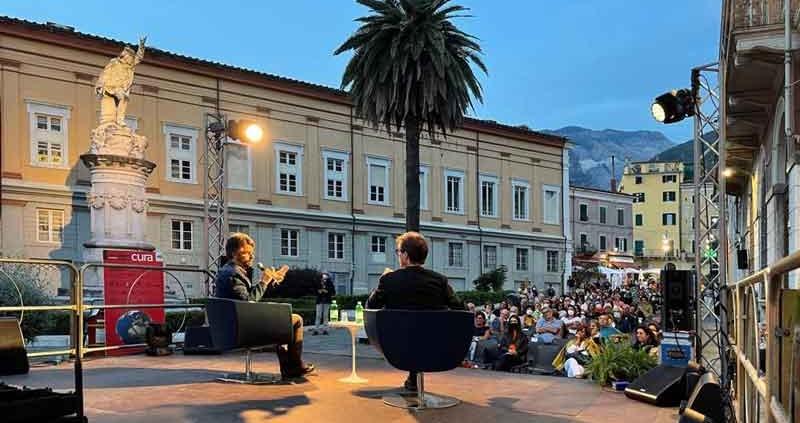 """Cala il sipario su """"con-vivere Carrara festival""""."""